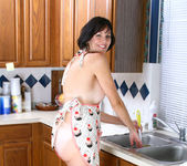 Katie - Horny Housewife - Anilos 2