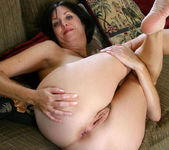 Katie - Couch - Anilos 16