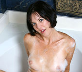 Katie - Bubble Bath - Anilos 4