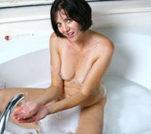Katie - Bubble Bath - Anilos 9