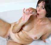 Katie - Bubble Bath - Anilos 12