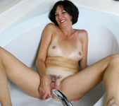 Katie - Bubble Bath - Anilos 19