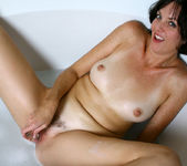 Katie - Bubble Bath - Anilos 20