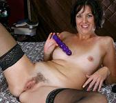 Katie - Purple Vibrator - Anilos 8