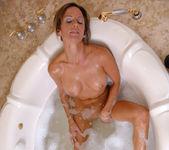 Montana Skye - Bathtub - Anilos 6