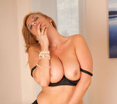 Leona Lee - Black Thongs - Anilos 6