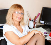 Alex - Office Milf - Anilos 3