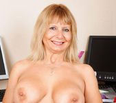Alex - Office Milf - Anilos 13