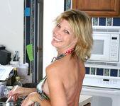 Rosetta - Nude Housewife - Anilos 4
