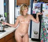 Rosetta - Nude Housewife - Anilos 9