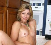 Rosetta - Nude Housewife - Anilos 13