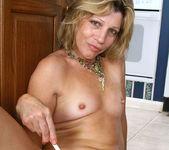 Rosetta - Nude Housewife - Anilos 14