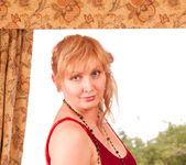 Emma - Red - Anilos 2