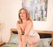 Camilla - Dong Masturbation 3