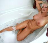 Cala Craves - Bathtub - Anilos 8