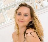 Nicole Logan - Bath Tub - Anilos 10