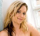 Nicole Logan - Bath Tub - Anilos 14
