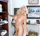 Veronica - Hot Blonde - Anilos 6