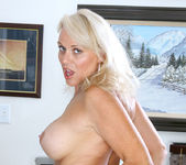 Veronica - Hot Blonde - Anilos 9
