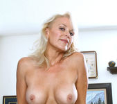 Veronica - Hot Blonde - Anilos 10