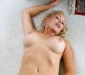 Veronica - Hot Blonde - Anilos 18