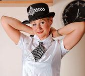 Suzy - Police Woman - Anilos 4