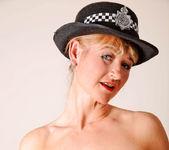 Suzy - Police Woman - Anilos 10