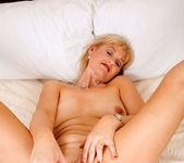 Suzy - Bed - Anilos 17