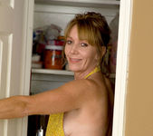 Samantha Stone - Kitchen - Anilos 2