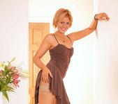 Rebecca - Dildo Orgasm - Anilos 2