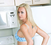 Camryn Cross - Kitchen - Anilos 4
