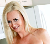 Camryn Cross - Kitchen - Anilos 7