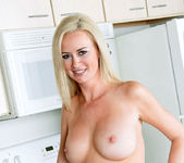 Camryn Cross - Kitchen - Anilos 9