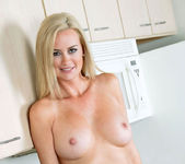 Camryn Cross - Kitchen - Anilos 13