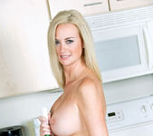 Camryn Cross - Kitchen - Anilos 17
