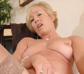 Chanel - Sex Toy - Anilos 17