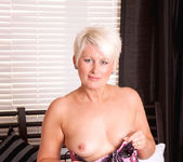 Sally Taylor - Huge Toy - Anilos 8