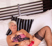Sally Taylor - Huge Toy - Anilos 14