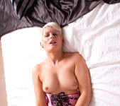 Sally Taylor - Huge Toy - Anilos 20