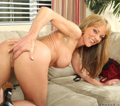 Shayla Laveaux - Couch Spreading 18