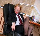 Olga - Office Cougar - Anilos 2