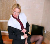 Olga - Office Cougar - Anilos 5
