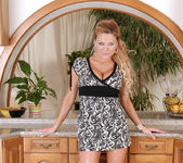 Sharon Pink - Horny Milf - Anilos 2