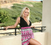 Holly - Outdoor Exposed - Anilos 2