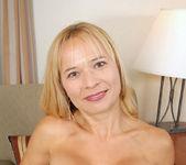Viktoria - Blonde Anilos 12
