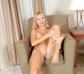 Viktoria - Blonde Anilos 15