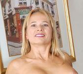 Viktoria - Kitchen Cougar - Anilos 11