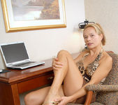 Viktoria - Office Nudity - Anilos 4