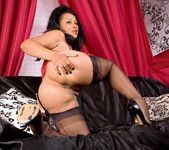 Donna - Couch - Anilos 13
