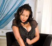 Donna - Black Outfit - Anilos 4